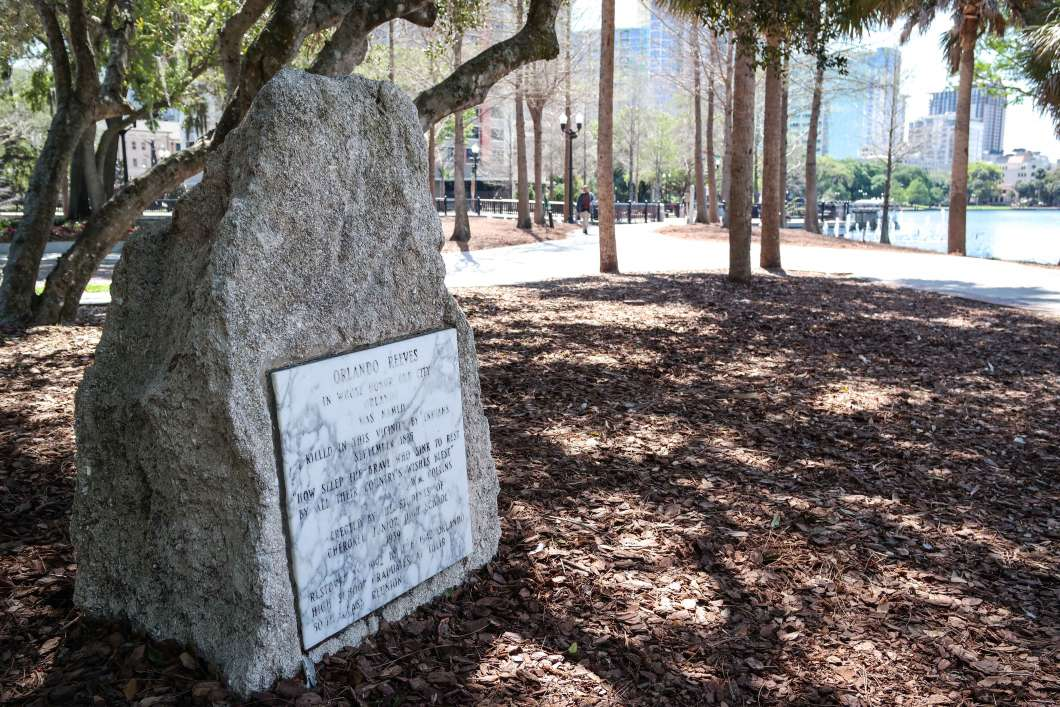 How did Orlando get its name? A plaque commemorating Orlando Reeves sits on the shore of Lake Eola, but Ben Brotemarkle says the origins may be more Shakespearean. Photo by Visitor7 via Wikimedia Commons