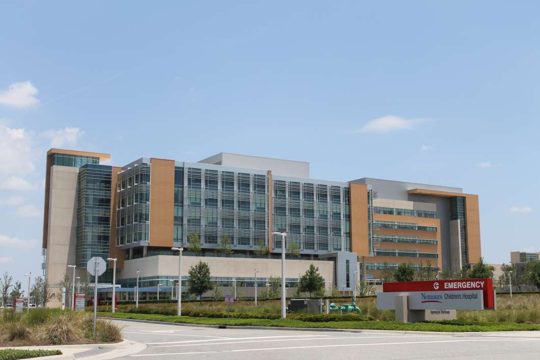 A proposal for Nemours Children's Hospital to build a fifth pediatric heart transplant center in Florida is drawing opposition from at least two of the existing programs.