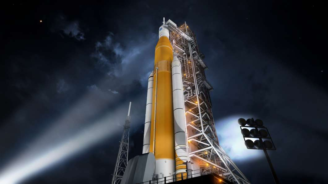 Artist's concept of SLS/Orion on the launch pad. Photo: NASA