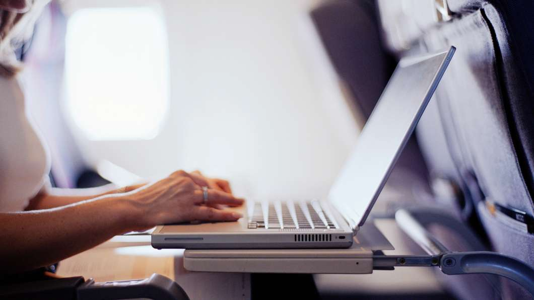 U.S. prepares to ban laptops on flights from Europe