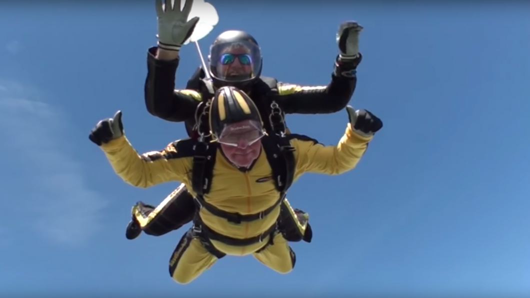 101-year-old jumps out of plane, breaks world record