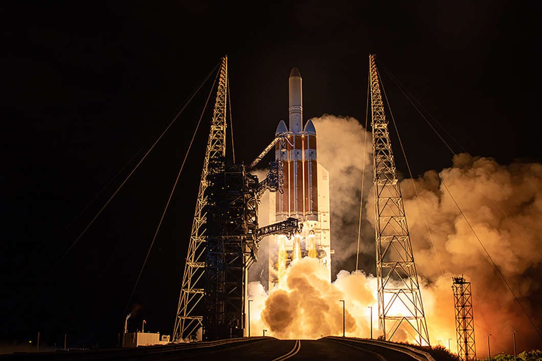 A United Launch Alliance Delta IV Heavy rocket carrying the NASA Parker Solar Probe spacecraft lifts off from Space Launch Complex-37 at 3:31 a.m. ET. Photo: United Launch Alliance
