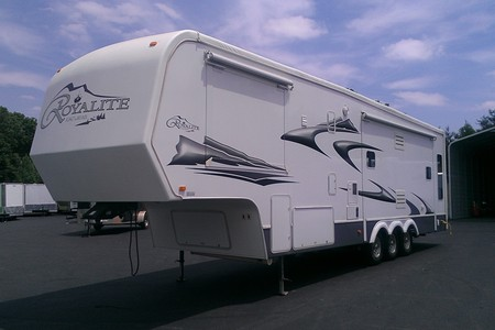 2005 king of the road 36 5th wheel trt trailer sales for Garage door repair lincolnton nc