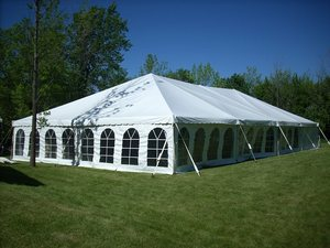How Wedding Tent Rentals Make an Outdoor Wedding Special