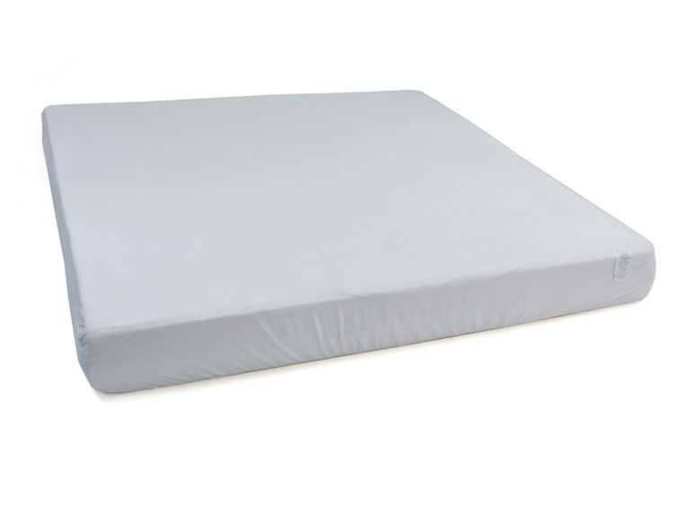 Symsz04 Queen Size Memory Foam Mattress With Ventilation System