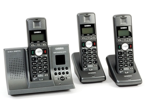 Uniden 5.8Ghz 3 Handset Phone with Answering System