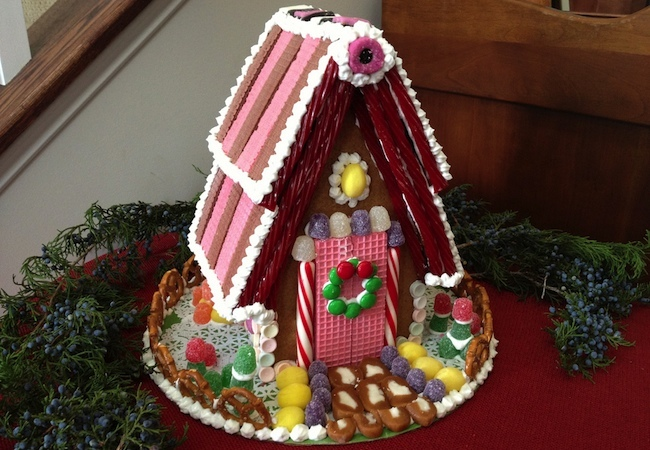 How to Make a Gingerbread House - Complete