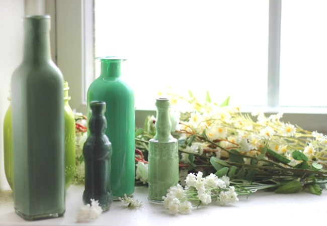 How to Paint Glass - Bottles