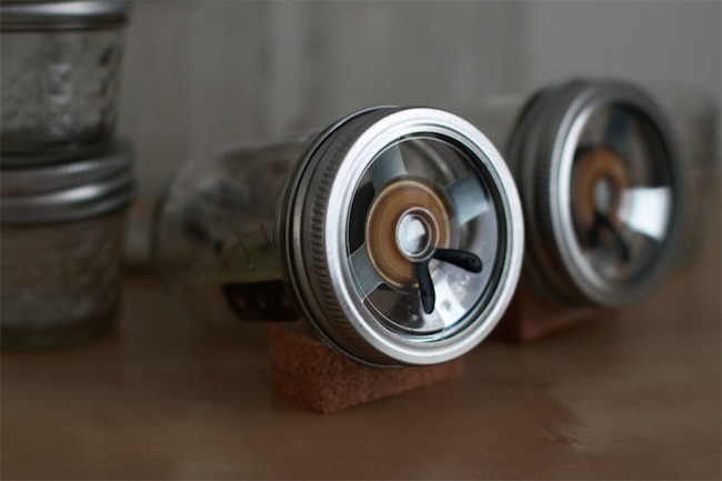 DIY Mason Jar Speakers - Detail