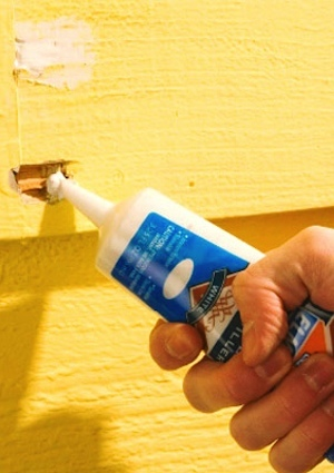 how to use wood filler on a door frame