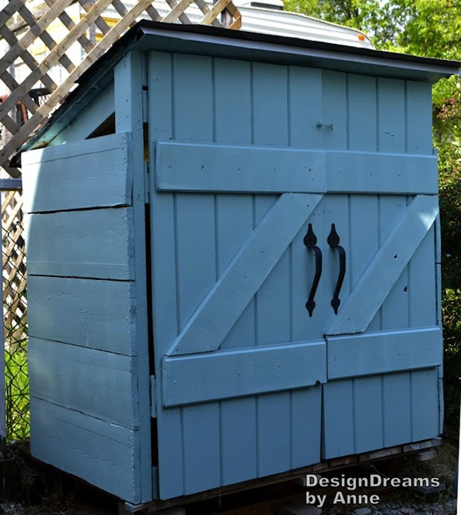 For pointers on making your own DIY garbage shed, read on.