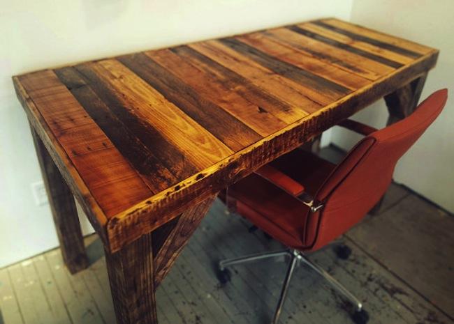 DIY Pallet Desk - Completed Desk