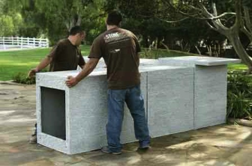 RhodeIslandStoneWall-Eldorado-Stone-Precast-Outdoor-Kitchen-Units