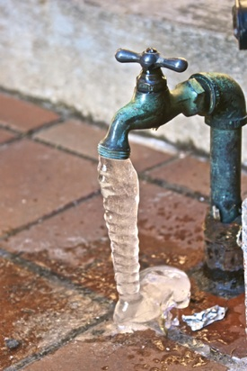macplumbingutah-frozenpipes-outdoor-faucet