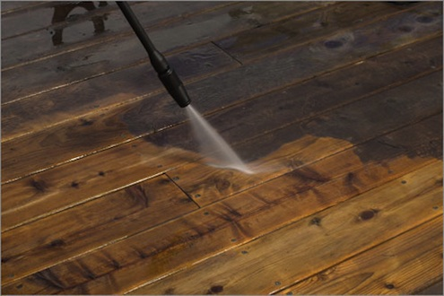 Using a Pressure Washer - Deck Cleaning