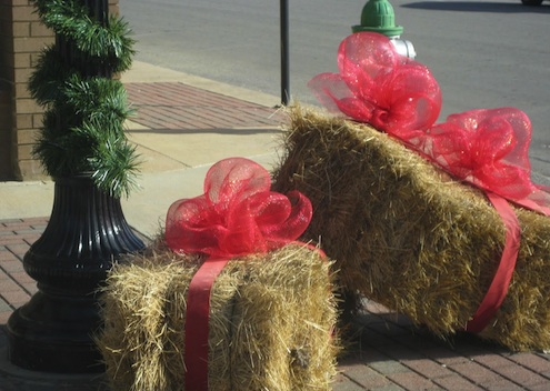 Straw bale diy bob vila for Bales of hay for decoration