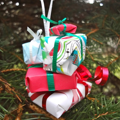 DIY Presents Ornament