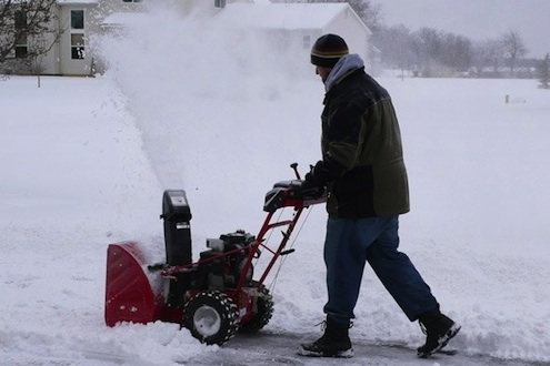 How to Maintain a Snow Blower