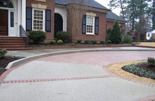 Driveway design for long lasting appeal bob vila for Temperature to pour concrete driveway