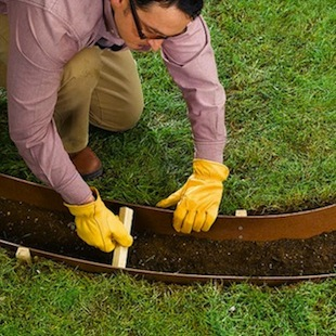 How to make concrete garden edging bob vila for Cheap diy garden edging