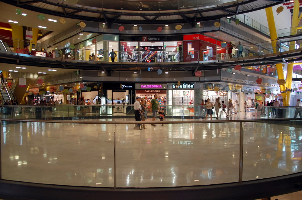 barcelona-arena-shopping-mall_370325822