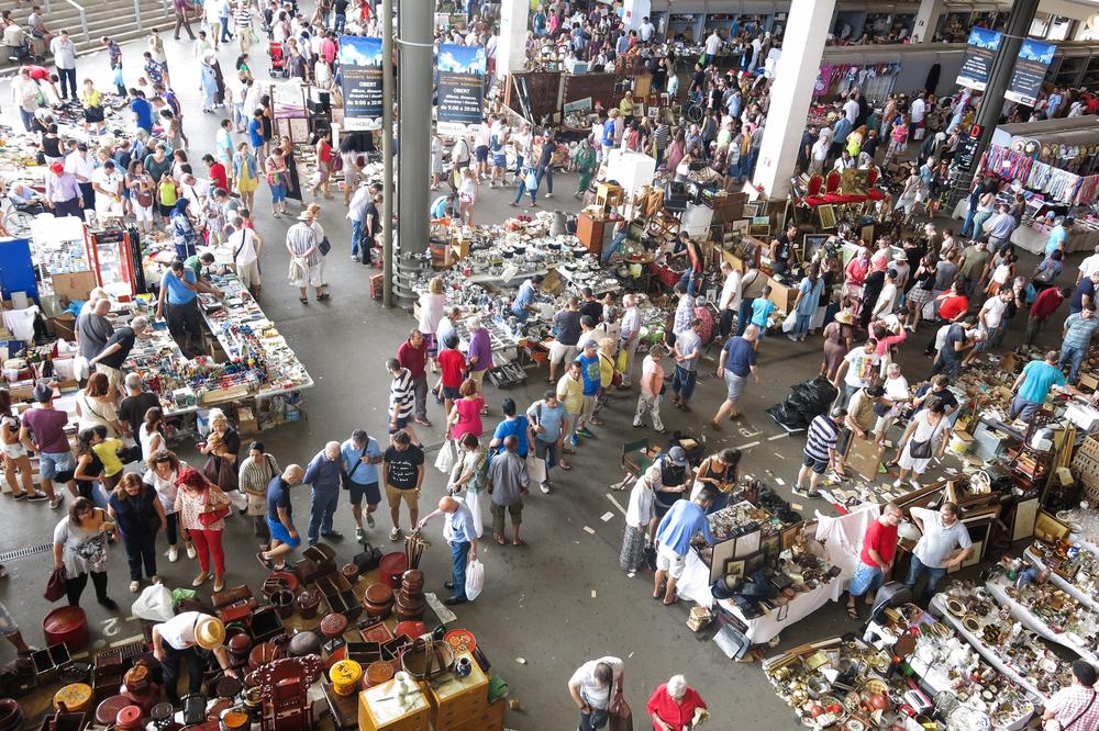 Flea market in Barcelona_368784422