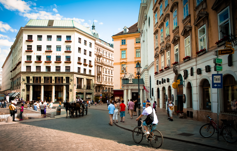 architecture in Vienna_375580333