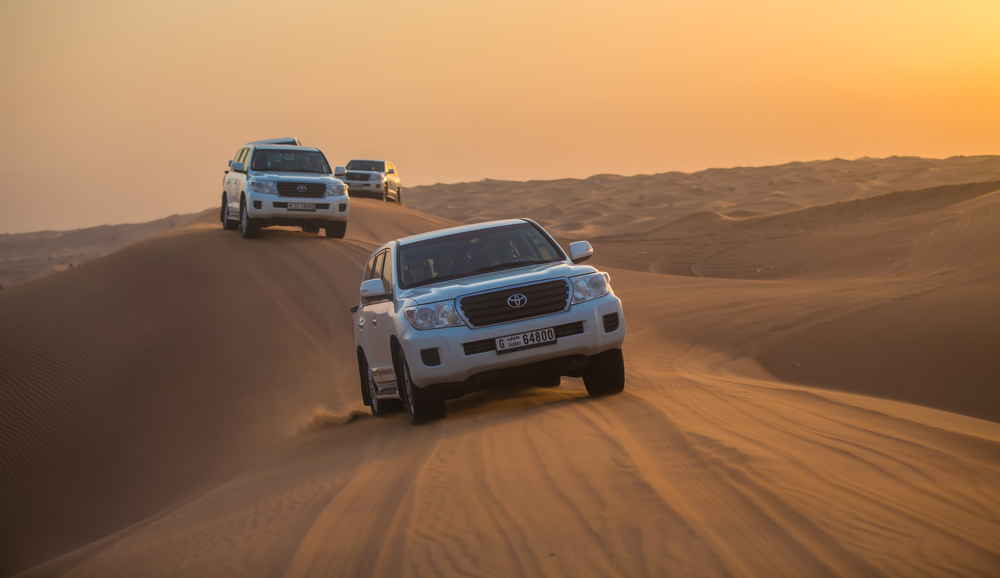 jeeps on the desert_226940464