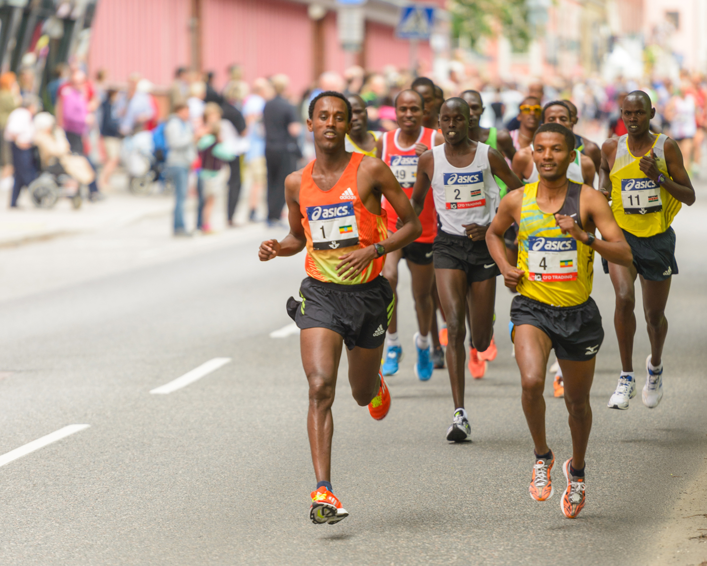 men running marathon