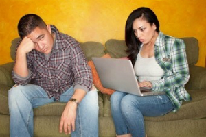 Study: Time Spent on PC Causes Stress for Couples