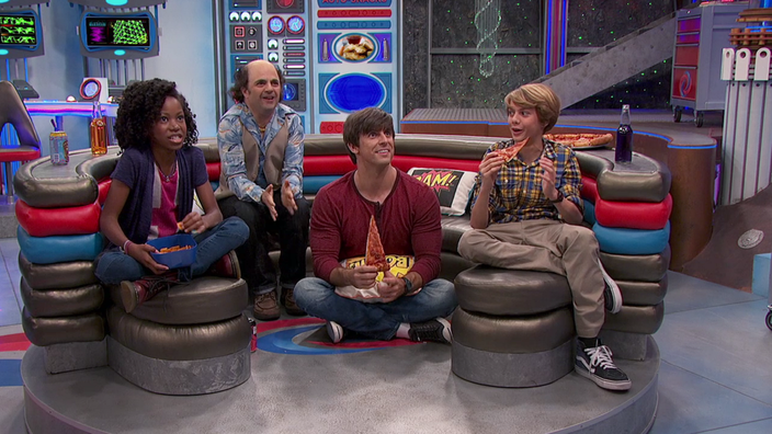 Man Cave Henry Danger : Captain man or the unexpected parody of birdman