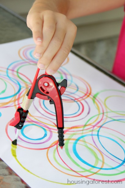 Mathing With Your Kids: Compass Circle Art!