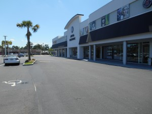 "Winwood Shopping Center with M1000 Columns painted ""Bright Silver"""