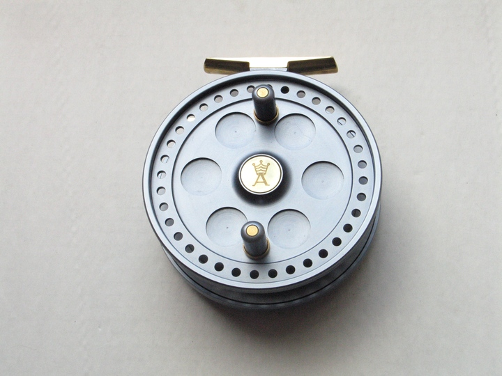 A Pete Reading Barbel Pin. Mint, unused.
