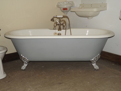 Double Ended Roll Top Bath With Claw Feet