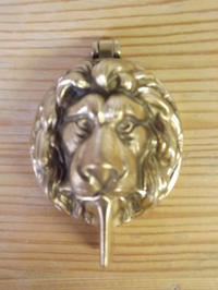 Cylinder Barrel Brass Lion Head Escushions