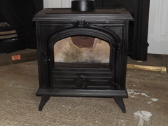 Cast iron wood burner (no glass)