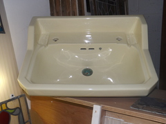 1930's large wash basin in soft yellow