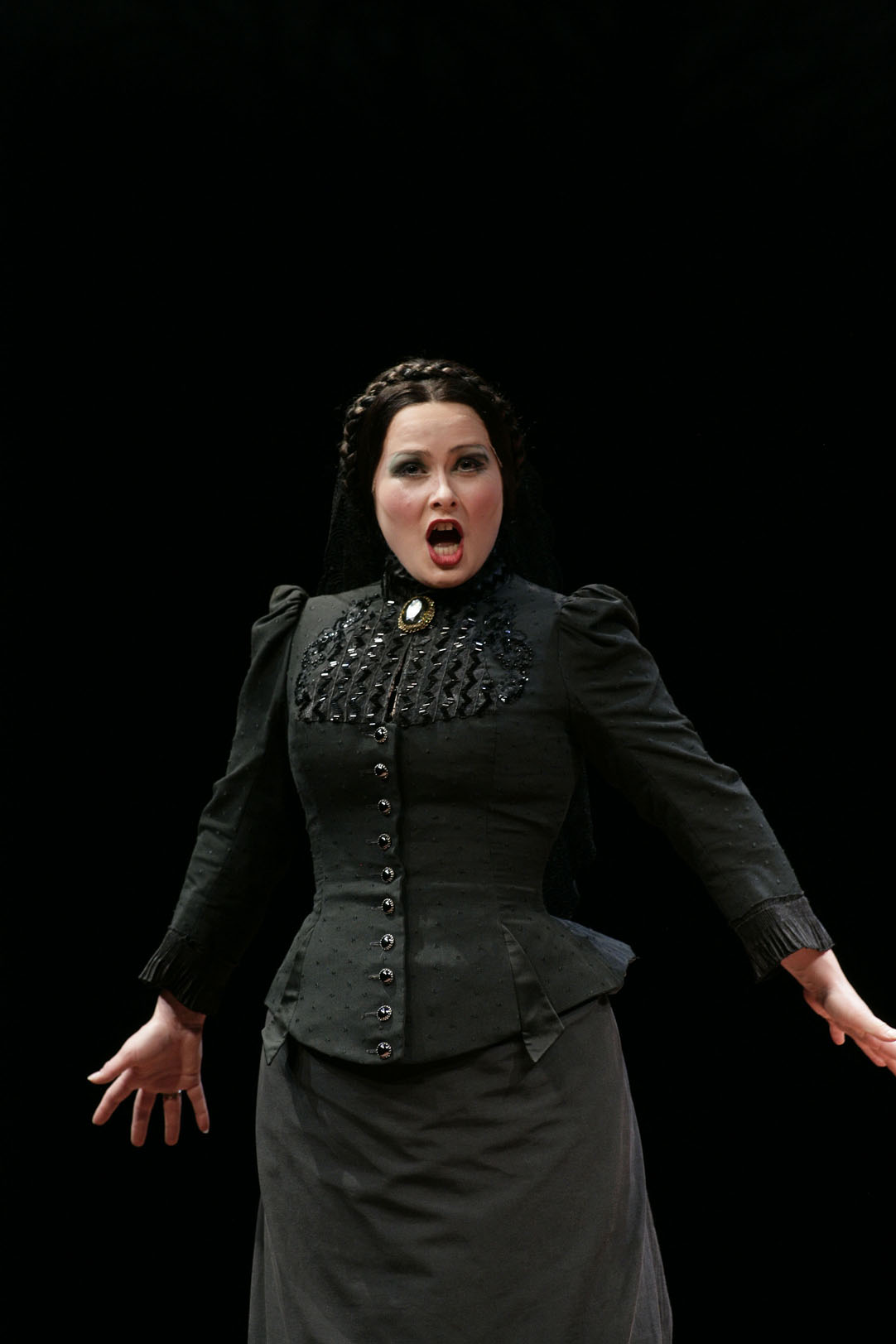 Victorian Opera (Melbourne 2010, Photograph copyright Jeff Busby)