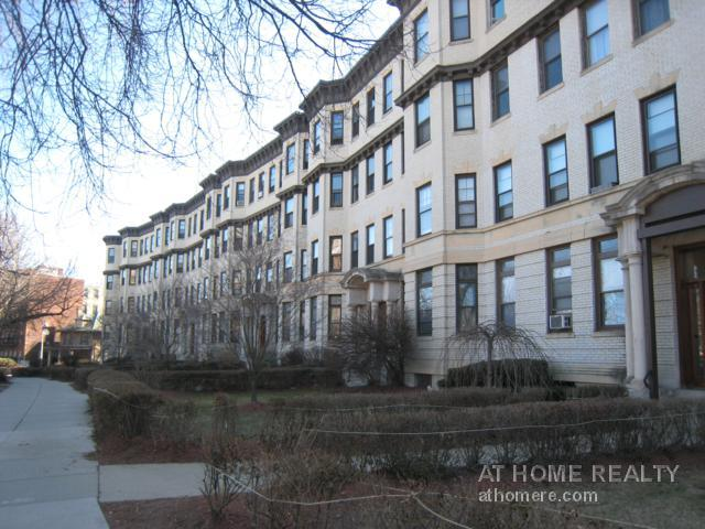 2 Bd on COMMONWEALTH, New/Renovated Bath, Laundry in Building