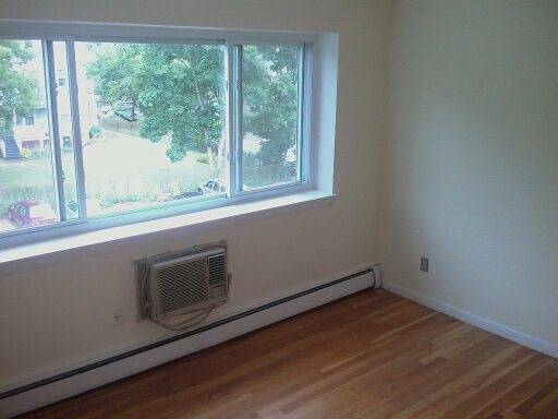 Allston 2bed with PARKING! H&HW incl, AC! HALF FEE! 5th floor, no stud