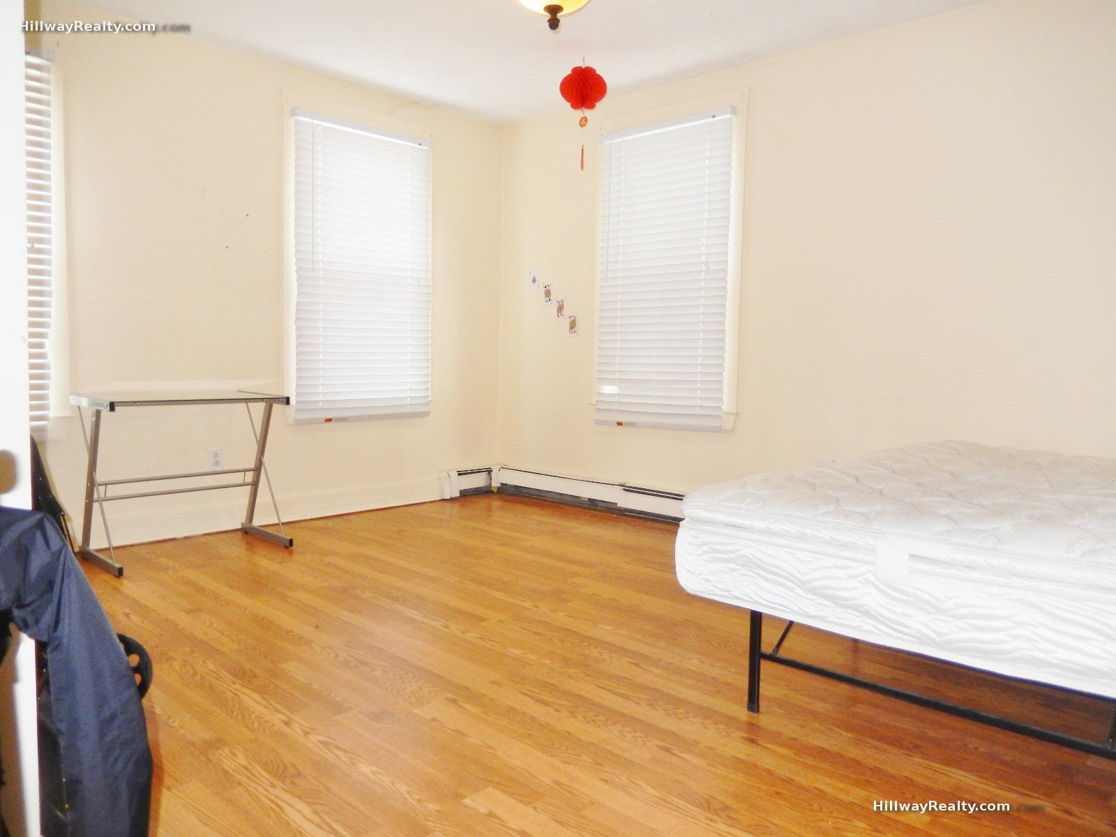 Huge 3 bed at the bottom of Mission Hill steps to all the schools - 9/
