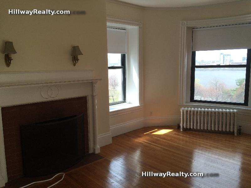 LOW FEE!!! BIG 1 bed for June 1st, on-site super, great deal!
