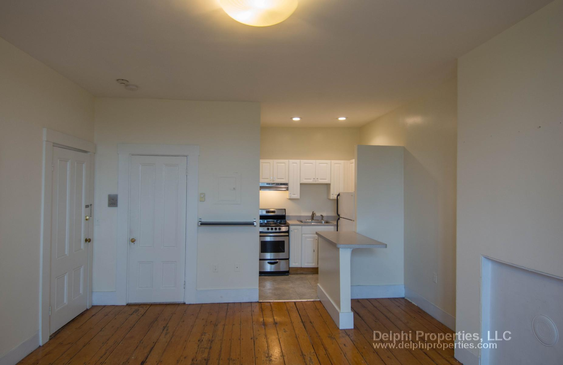 Beautiful spacious 1 bed between Mass Ave station and Symphony!