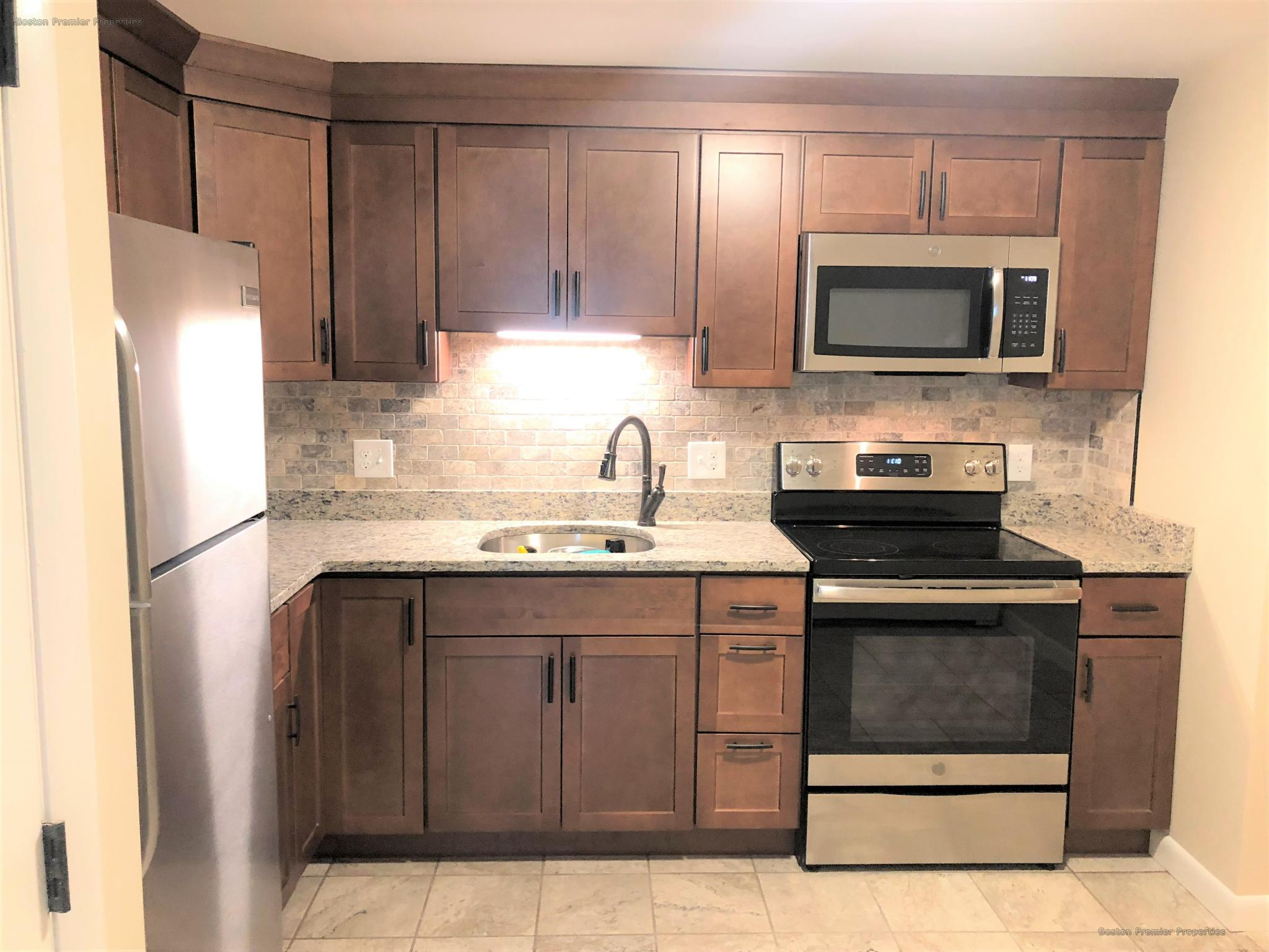 Beautiful completely updated 1 bedroom ,you will be glad to come home
