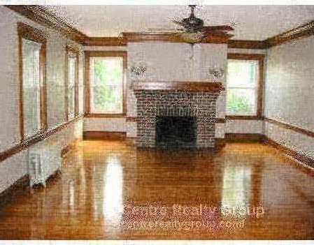 5 - AMAZING COMM AVE 5 BED ~ NEWTON ~ TONS OF SPACE