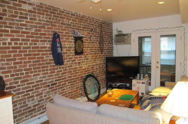 2 Bd on , 2 Bath, Professional Lobby and Common Area, Laundry in Build