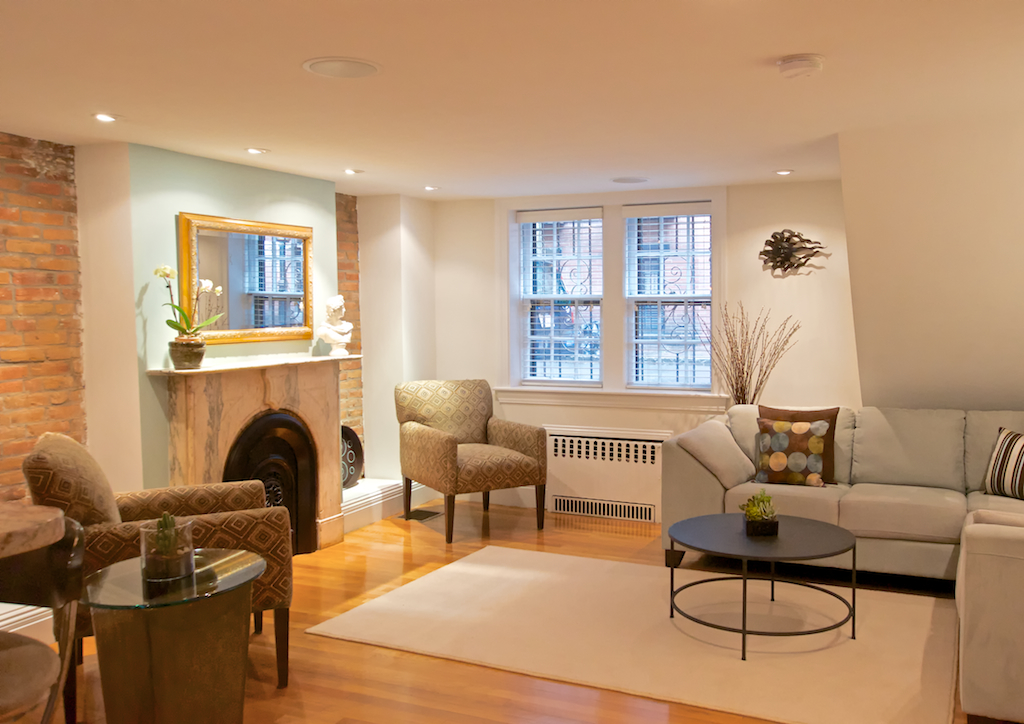 Beautiful Luxury 1 Bed on Gray St. 09/01 - Fully Furnished w/ Patio!