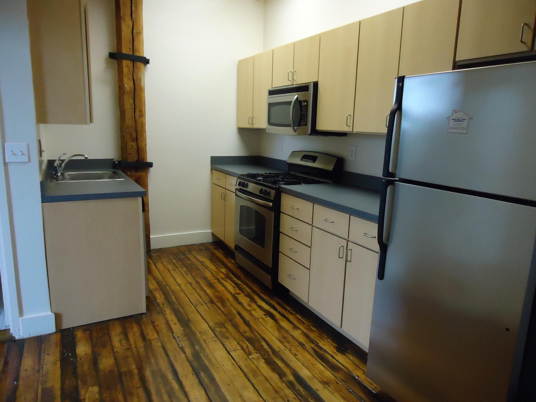 2 Bd on , Hardwood Floors, Loft, Disposal, Concierge Services, STUDY W