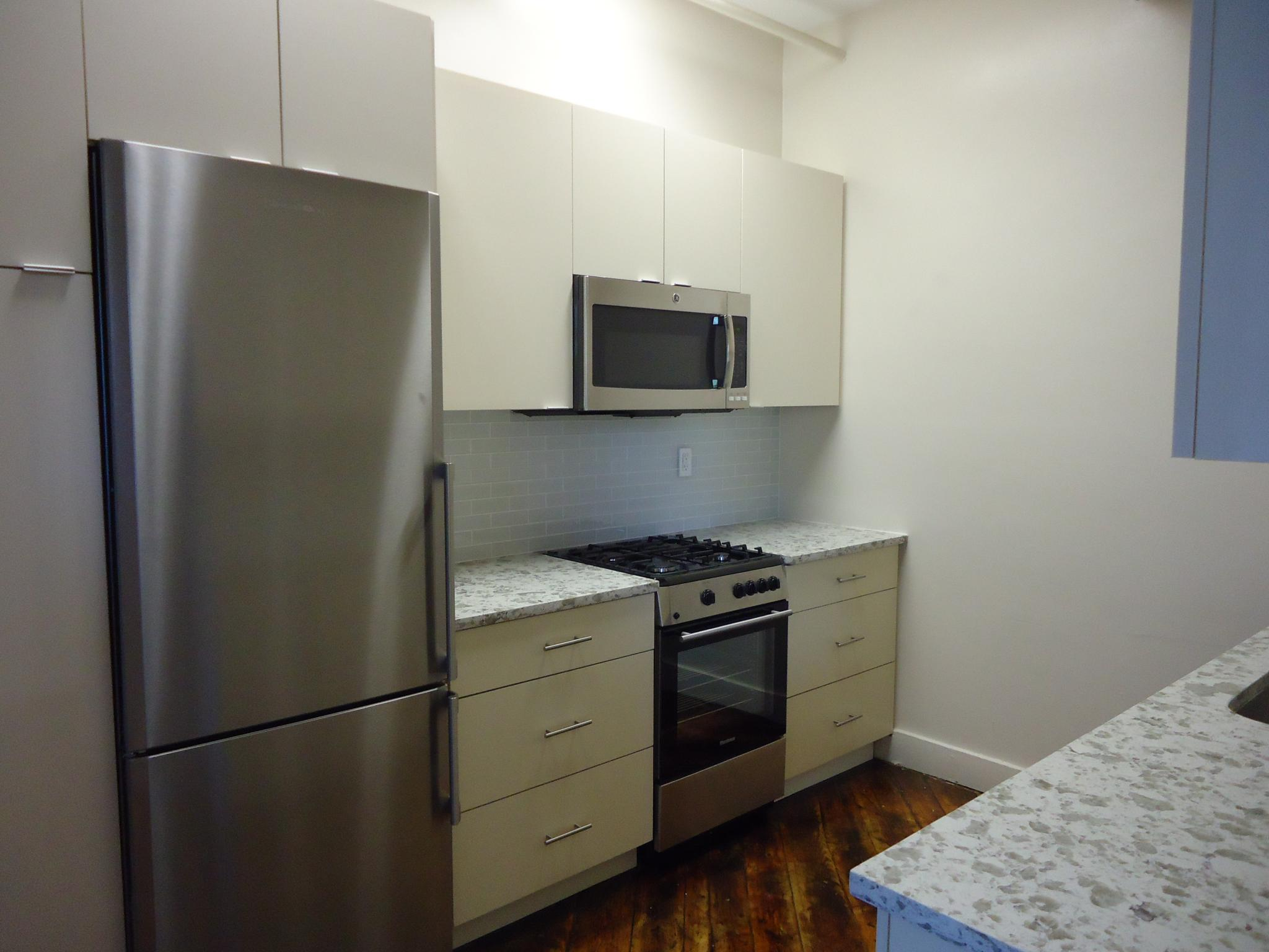 1.5 Bd on , NO FEE, Stainless Steel Appliance(s), Modern Bath, Ceramic